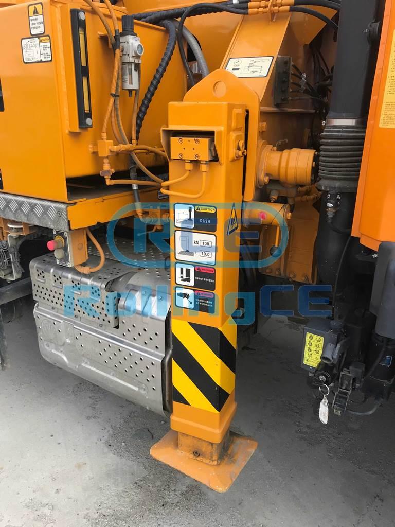 Concrete Pumps 콘크리트 펌프카 Xe bơm bê tông JUNJIN JX-M20 images