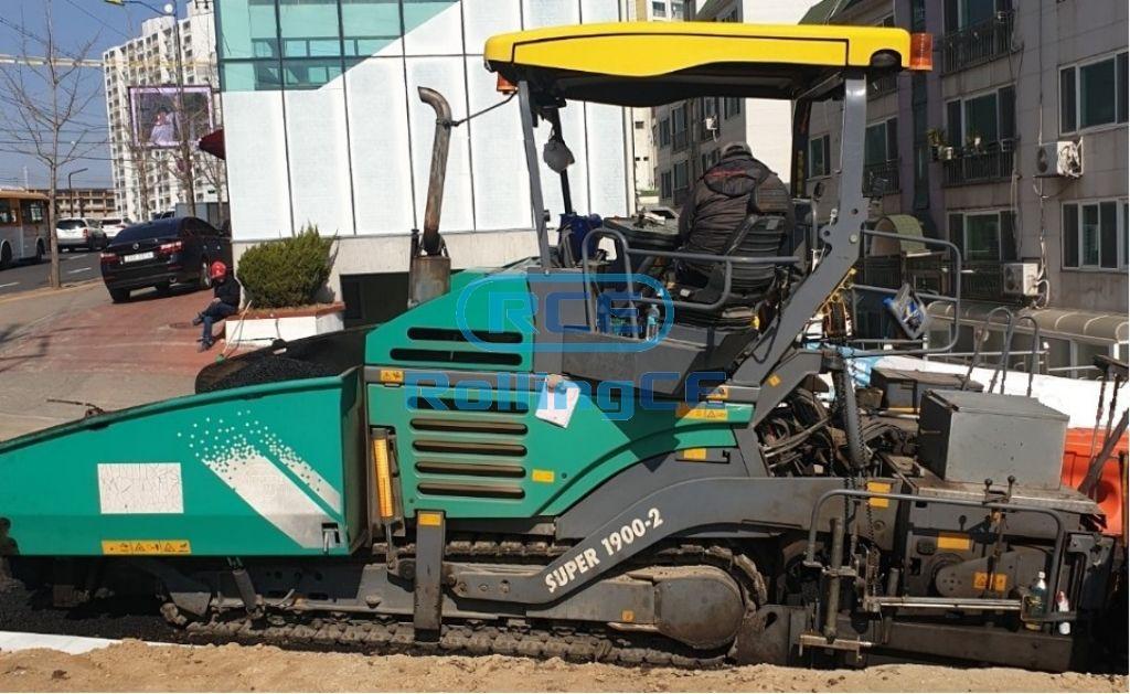 Road Construction Equipments 도로장비 Thiết bị thi công đường VOGELE SUPER1900-2
