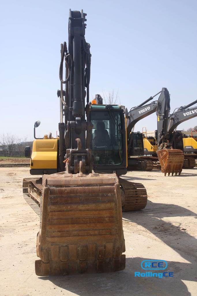 Crawler Excavators 무한 궤도식 굴삭기 Máy xúc bánh xích VOLVO EC140CL