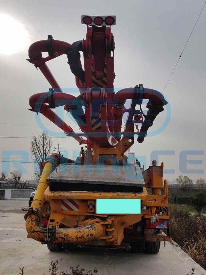 Concrete Pumps 콘크리트 펌프카 Xe bơm bê tông KCP KCP38 images
