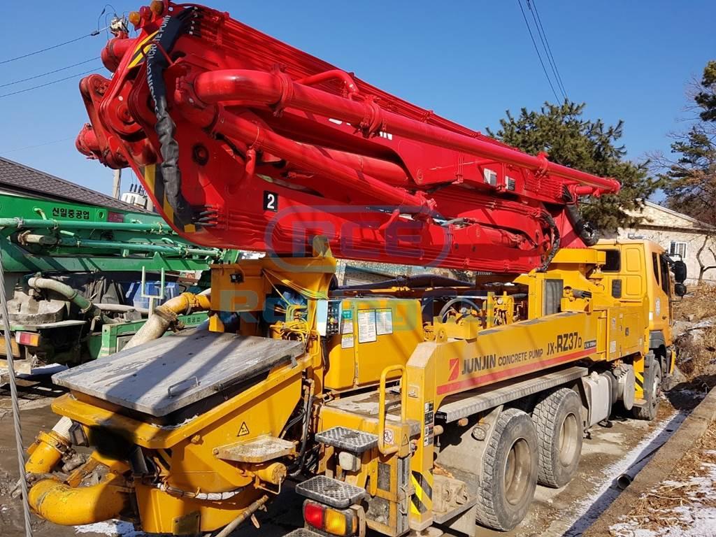 Concrete Pumps 콘크리트 펌프카 Xe bơm bê tông JUNJIN JX-RZ37D images
