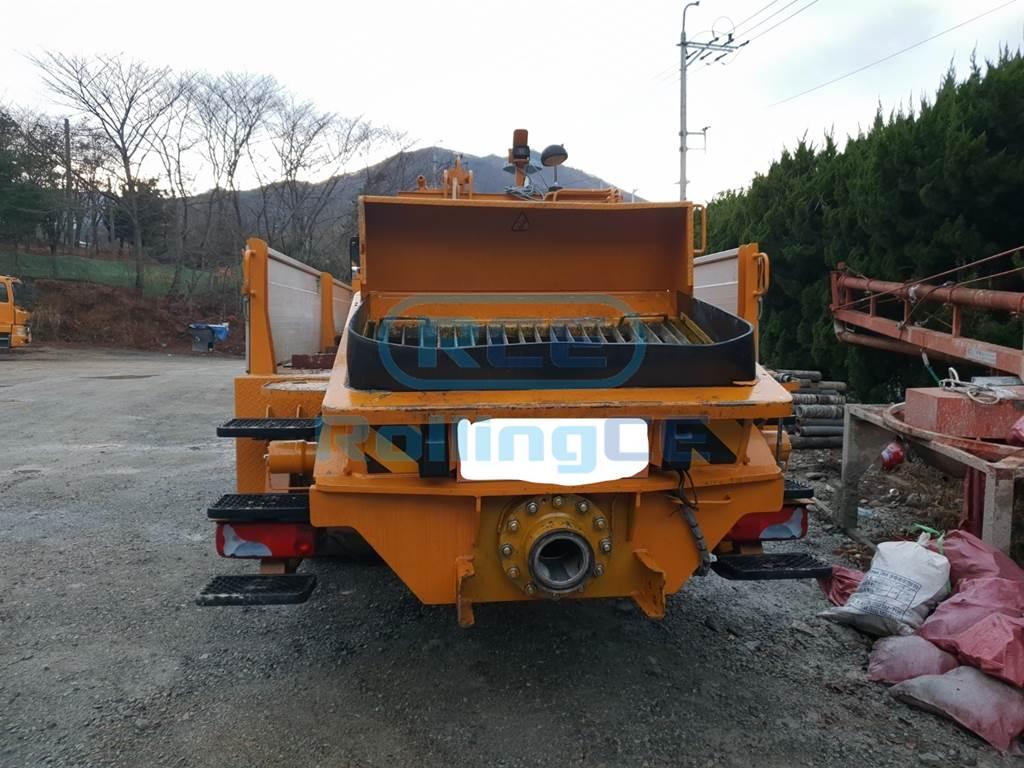Concrete Pumps 콘크리트 펌프카 Xe bơm bê tông JUNJIN JM4500HP images