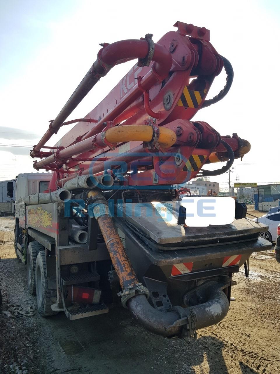 Concrete Pumps 콘크리트 펌프카 Xe bơm bê tông KCP KCP36 images