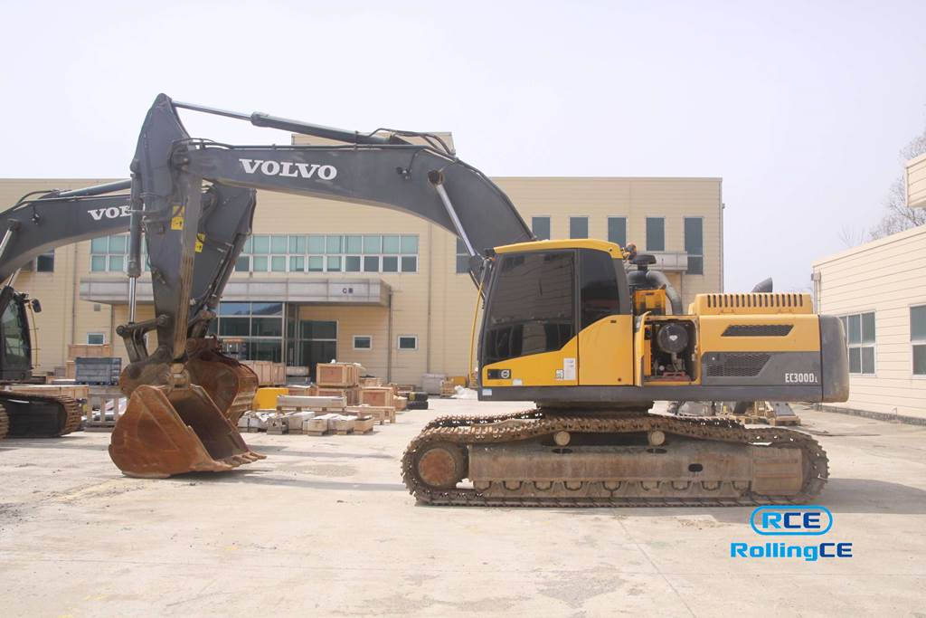 Crawler Excavators 무한 궤도식 굴삭기 Máy xúc bánh xích VOLVO EC300DL