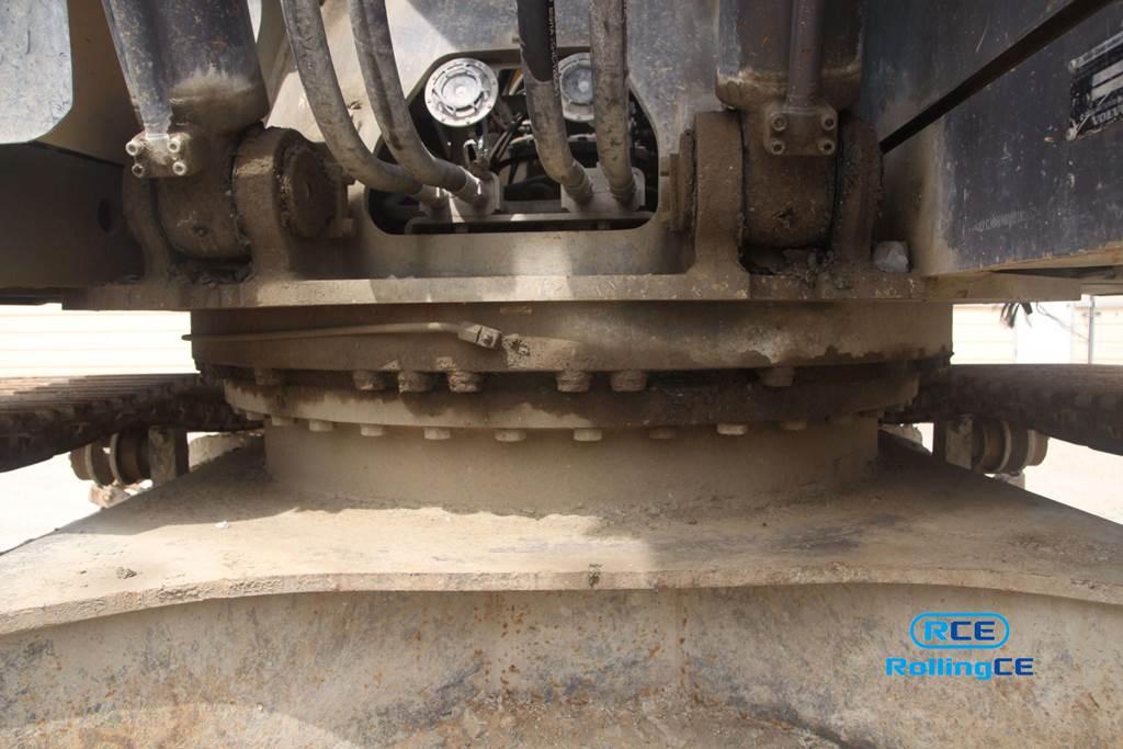 Crawler Excavators 무한 궤도식 굴삭기 Máy xúc bánh xích VOLVO EC300DL images