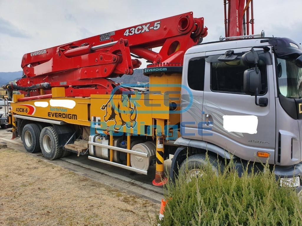 Concrete Pumps 콘크리트 펌프카 Xe bơm bê tông EVERDIGM ECP43CX