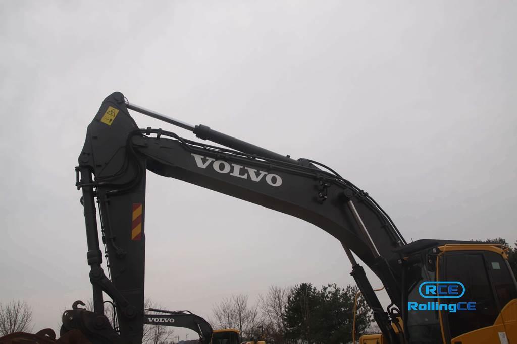 Crawler Excavators 무한 궤도식 굴삭기 Máy xúc bánh xích VOLVO EC360CL images