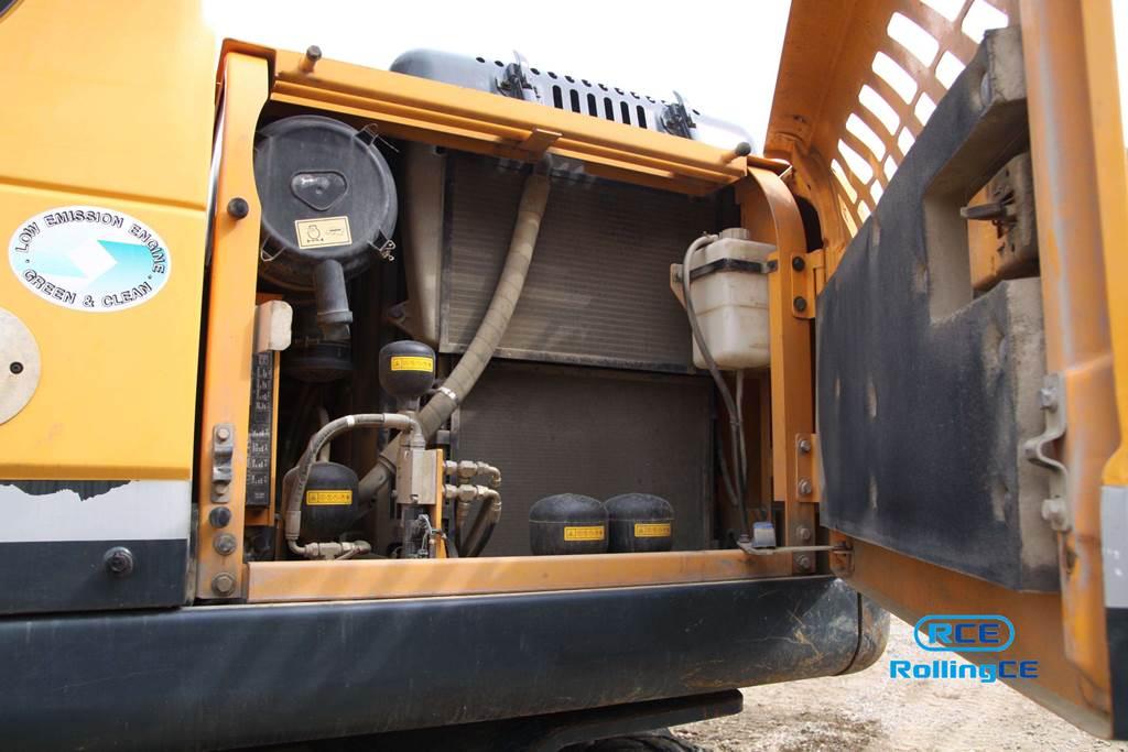 Wheel Excavators 타이어식 굴삭기 Máy xúc bánh lốp HYUNDAI ROBEX140W images