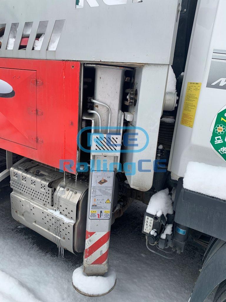 Concrete Pumps 콘크리트 펌프카 Xe bơm bê tông KCP KCP32 images
