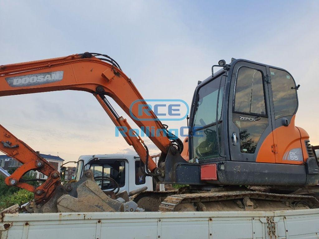Crawler Excavators 무한 궤도식 굴삭기 Máy xúc bánh xích DOOSAN DX55
