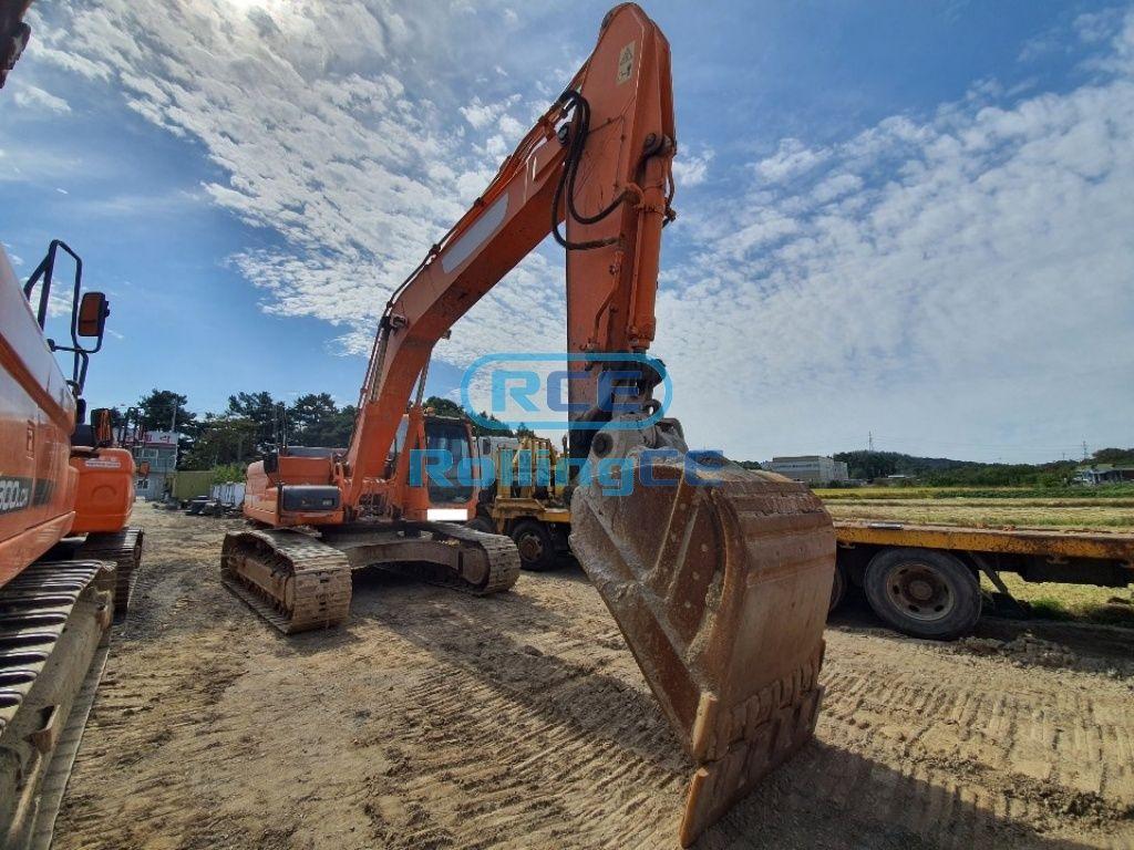 Crawler Excavators 무한 궤도식 굴삭기 Máy xúc bánh xích DOOSAN DX300LCA