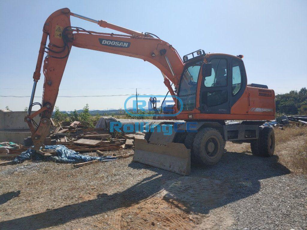 Wheel Excavators 타이어식 굴삭기 Máy xúc bánh lốp DOOSAN DX140W
