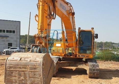 Crawler Excavators 무한 궤도식 굴삭기 Máy xúc bánh xích HYUNDAI R3000LC