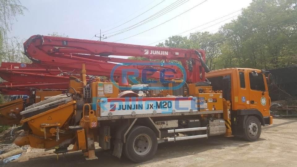 Concrete Pumps 콘크리트 펌프카 Xe bơm bê tông JUNJIN JUNJIN-M20 images